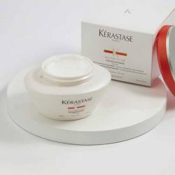 Le produit de soin nutritif pour les cheveux épais Masquintense par Kérastase sa boîte
