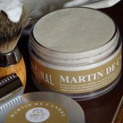 le savon à raser artisanal l'original de martin de candre - made in france en situation