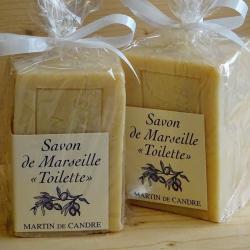 bloc de savon de marseille pour la toilette de la marque martin de candre