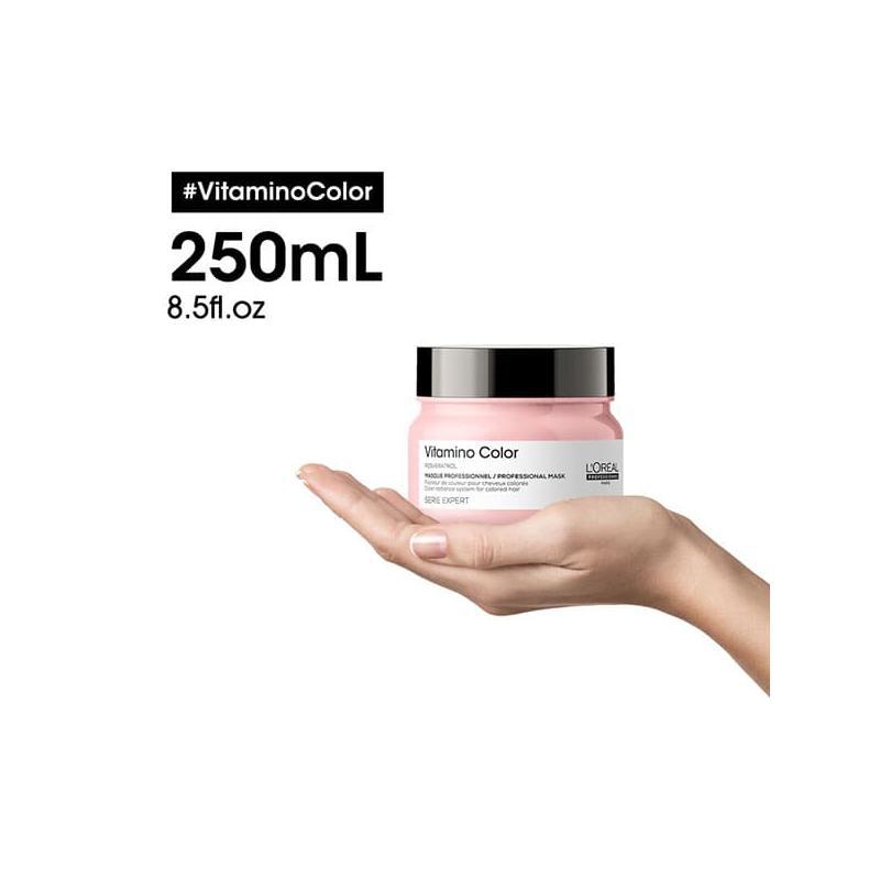 Vitamino-color-loreal-professionnel-masque-apres-shampoing-250ml-sur-une-main
