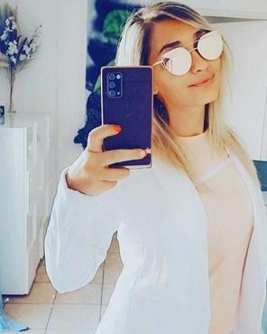Le #soleil arrive, et le #mtshirt aussi !  La class et le #summer #mpower 😎 Toi aussi fait ton #mselfie et tu gagneras un code promo unique et M agnifique sur la boutique de ton #coiffeur préféré : shop.aurelienmagnano.fr 😯😁 c'est pas la #class à #albias? Ça?  #aurelienmagnano #montauban #blondgirl #selfie #frenchgirl #coiffure #teeshirt #teeshirtdesign #teeshirtstylé